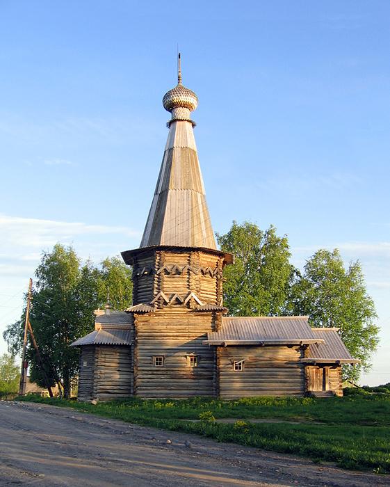 Успенская церковь в д.Космозеро (1720г.)