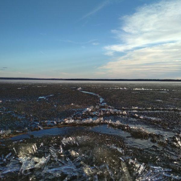 Онежское озеро,шуга