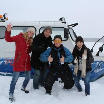 В Кижи зимой на воздушной подушке